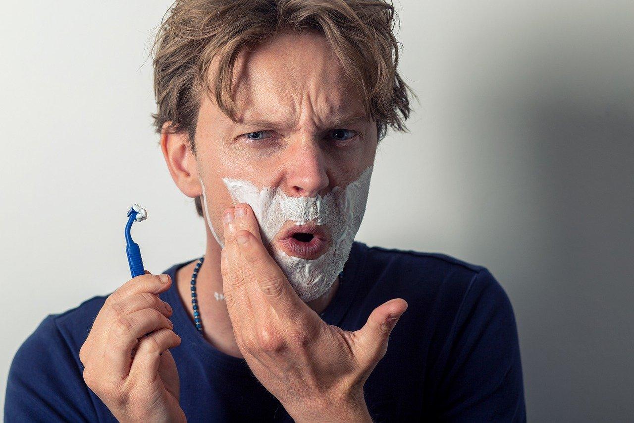 Boutons de rasage : Astuces naturelles pour s'en débarrasser